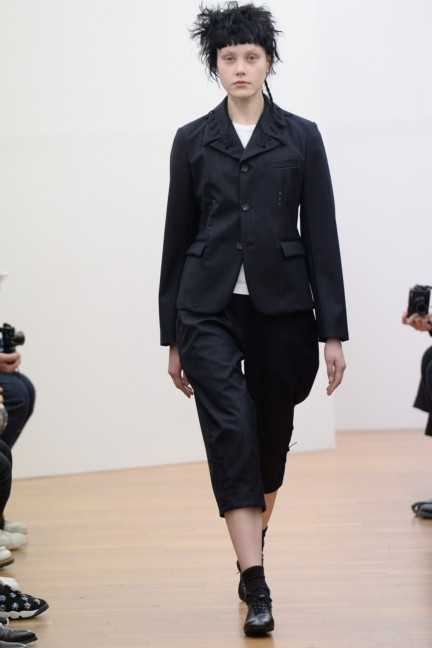 comme-des-garcons-comme-des-garcons-paris-fashion-week-autumn-winter-2015-17