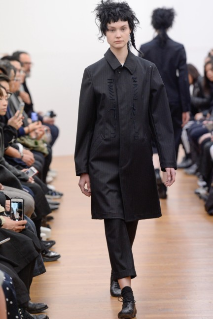 comme-des-garcons-comme-des-garcons-paris-fashion-week-autumn-winter-2015-18