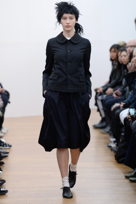 comme-des-garcons-comme-des-garcons-paris-fashion-week-autumn-winter-2015-27