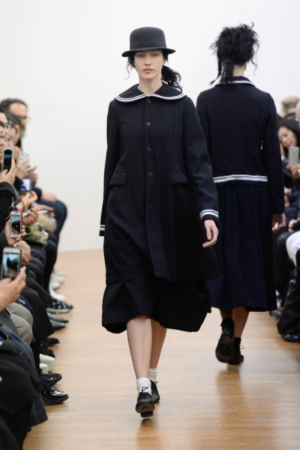 comme-des-garcons-comme-des-garcons-paris-fashion-week-autumn-winter-2015-3
