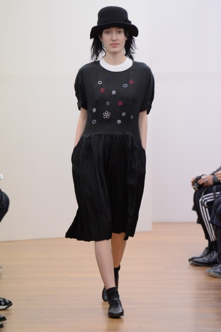 comme-des-garcons-comme-des-garcons-paris-fashion-week-autumn-winter-2015-31