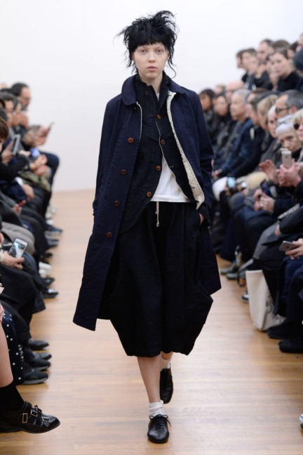 comme-des-garcons-comme-des-garcons-paris-fashion-week-autumn-winter-2015-38