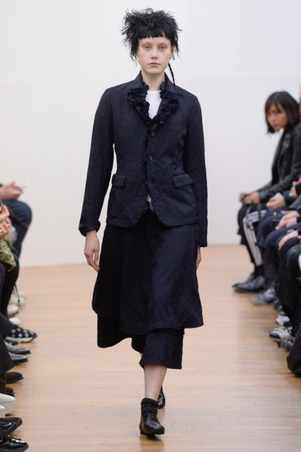 comme-des-garcons-comme-des-garcons-paris-fashion-week-autumn-winter-2015-39