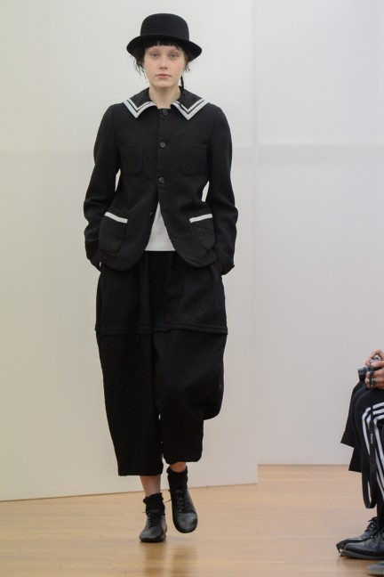comme-des-garcons-comme-des-garcons-paris-fashion-week-autumn-winter-2015