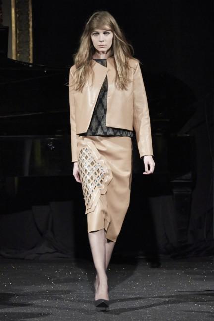 gosia-baczynska-paris-fashion-week-autumn-winter-2015-21