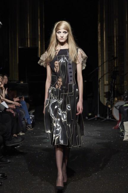 gosia-baczynska-paris-fashion-week-autumn-winter-2015-29