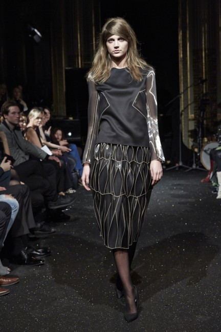 gosia-baczynska-paris-fashion-week-autumn-winter-2015-30