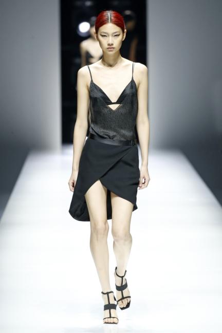 lanvin-paris-fashion-week-spring-summer-18-3
