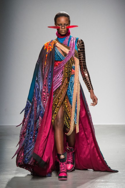 manish_arora_winter_2015-16_072