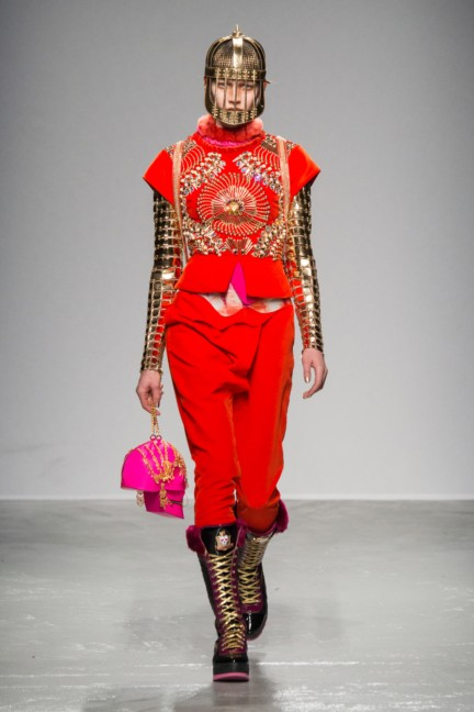 manish_arora_winter_2015-16_088