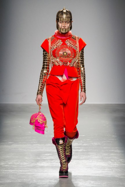 manish_arora_winter_2015-16_089