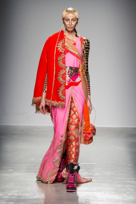 manish_arora_winter_2015-16_093