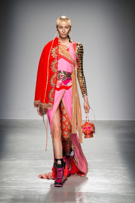 manish_arora_winter_2015-16_094
