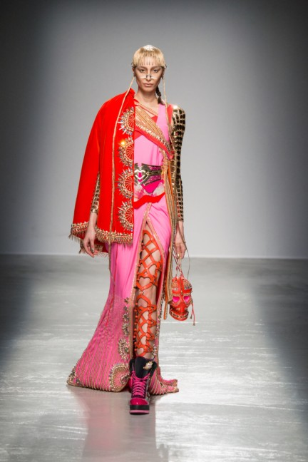 manish_arora_winter_2015-16_095
