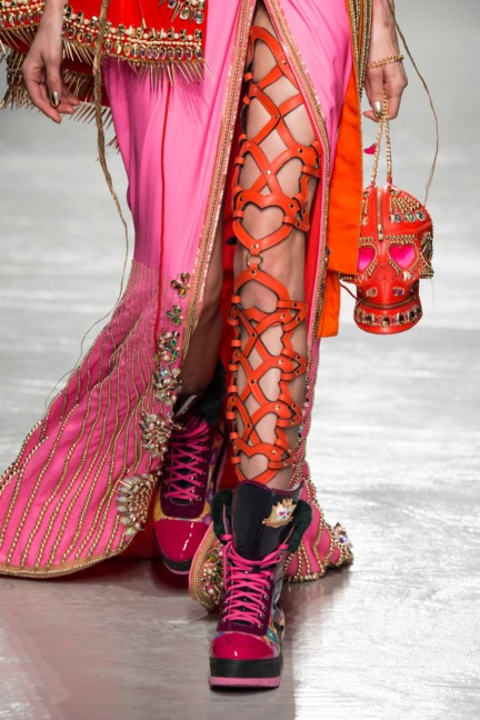 manish_arora_winter_2015-16_096