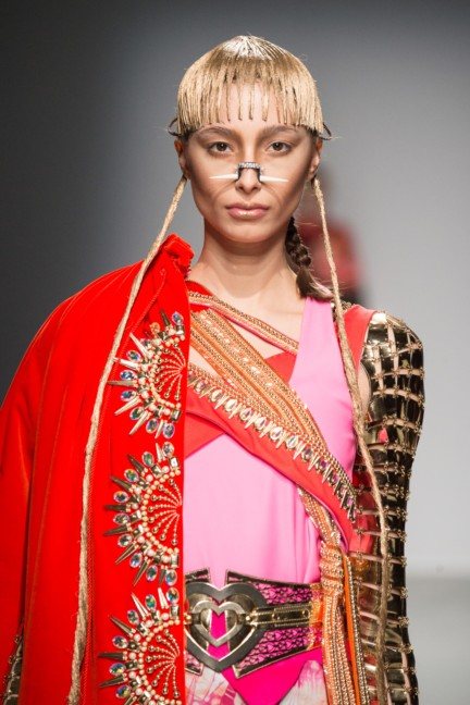 manish_arora_winter_2015-16_097