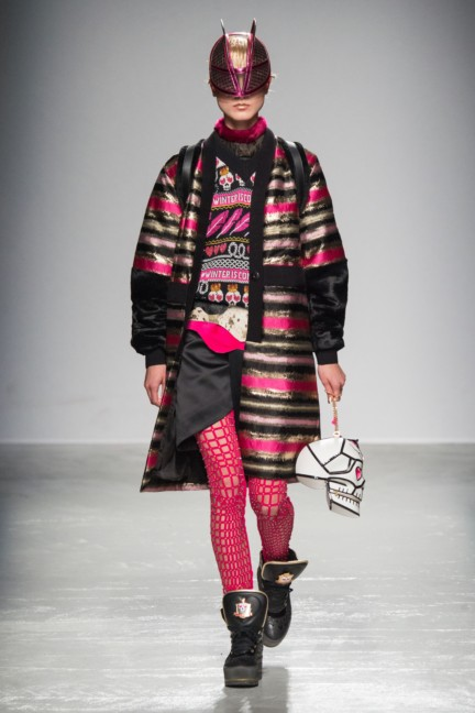 manish_arora_winter_2015-16_126
