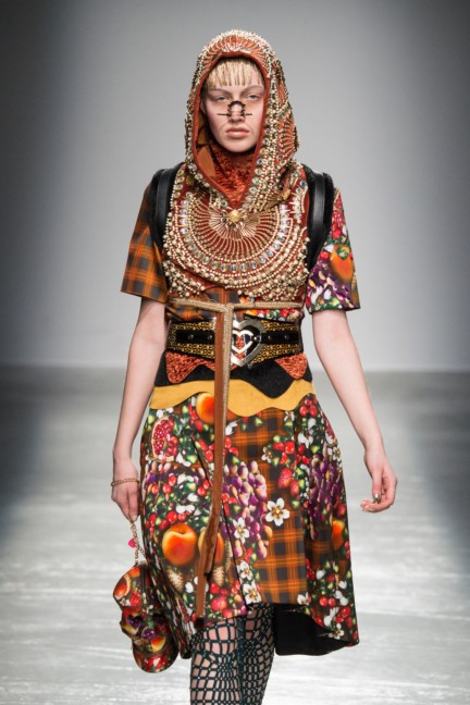 manish_arora_winter_2015-16_150