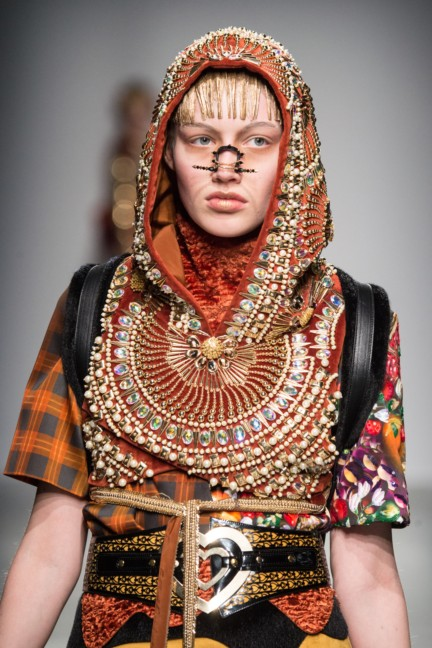 manish_arora_winter_2015-16_153