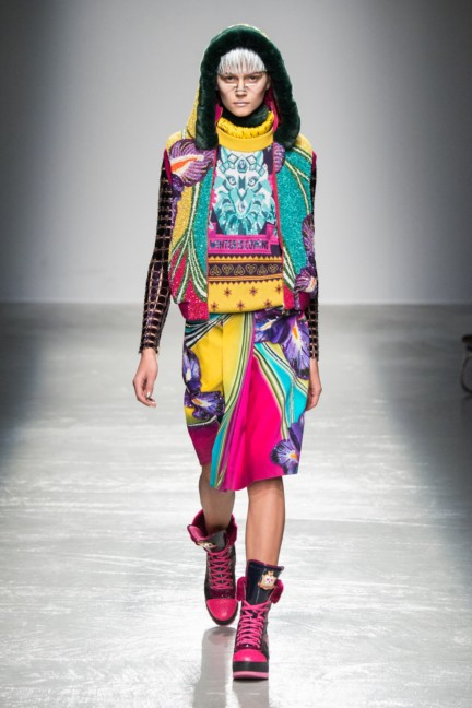 manish_arora_winter_2015-16_197