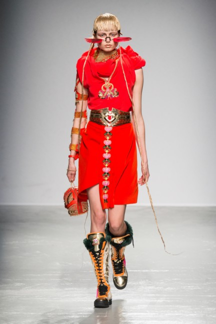 manish_arora_winter_2015-16_222