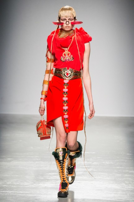 manish_arora_winter_2015-16_223