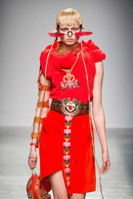 manish_arora_winter_2015-16_225