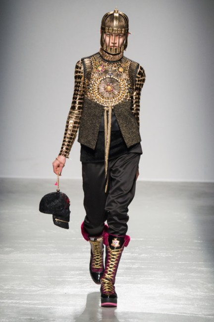 manish_arora_winter_2015-16_230