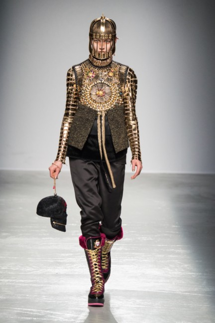 manish_arora_winter_2015-16_231