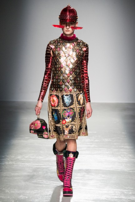 manish_arora_winter_2015-16_236