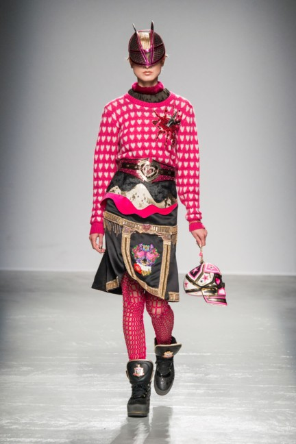 manish_arora_winter_2015-16_250
