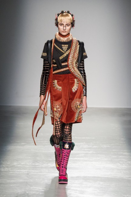 manish_arora_winter_2015-16_260
