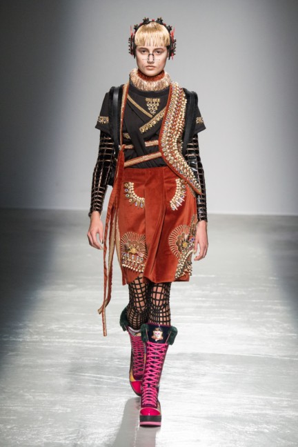 manish_arora_winter_2015-16_261