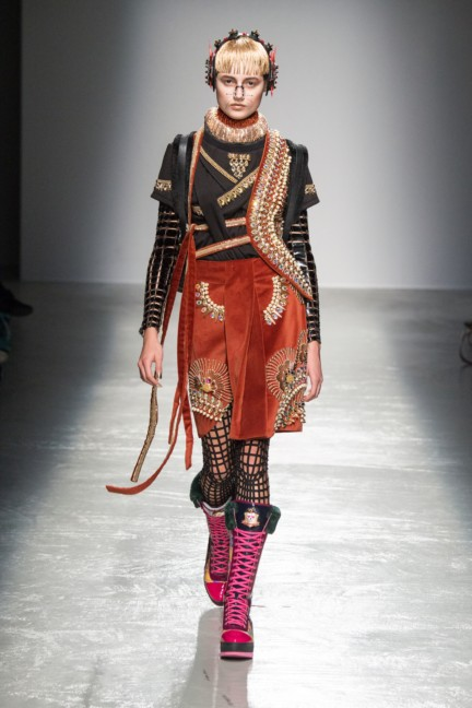 manish_arora_winter_2015-16_262