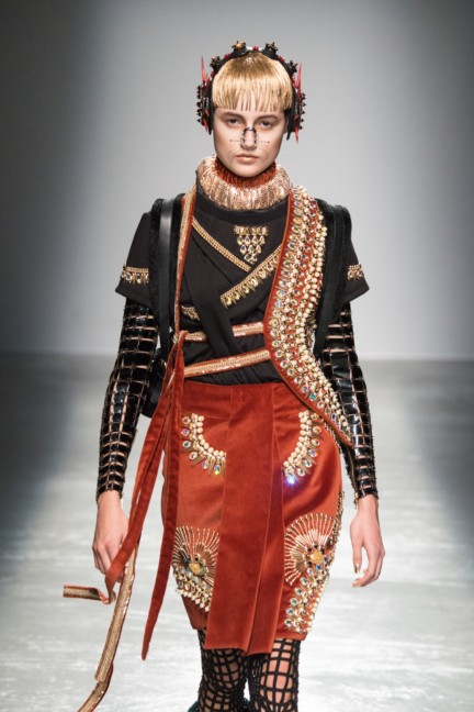 manish_arora_winter_2015-16_263