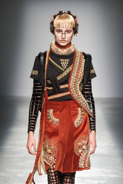 manish_arora_winter_2015-16_264