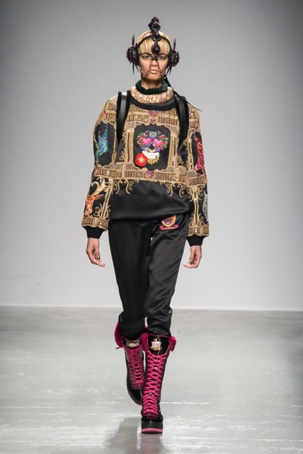 manish_arora_winter_2015-16_267