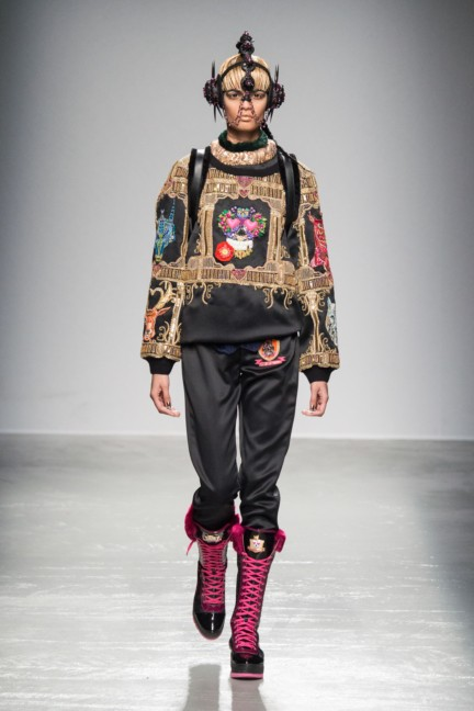 manish_arora_winter_2015-16_268