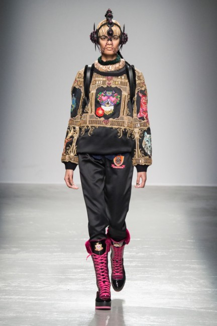manish_arora_winter_2015-16_269