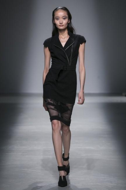 rahul-mishra-paris-fashion-week-autumn-winter-2015-20