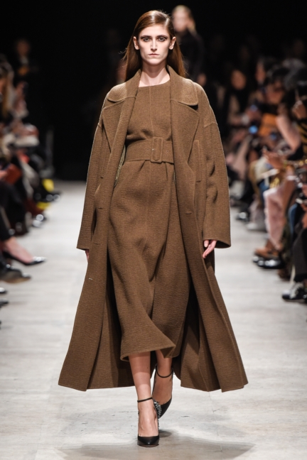 rochas_winter_2015-16_look_003