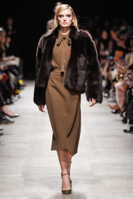 rochas_winter_2015-16_look_004