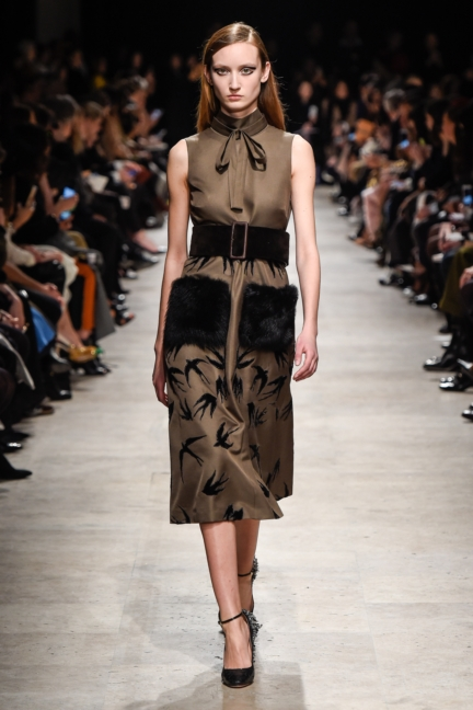 rochas_winter_2015-16_look_016