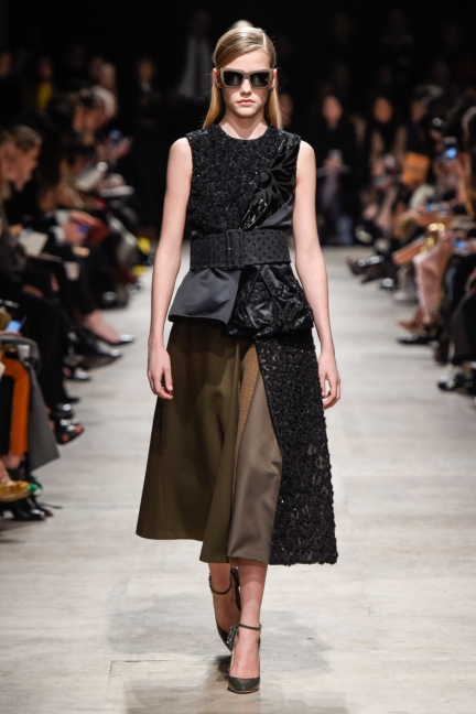 rochas_winter_2015-16_look_017