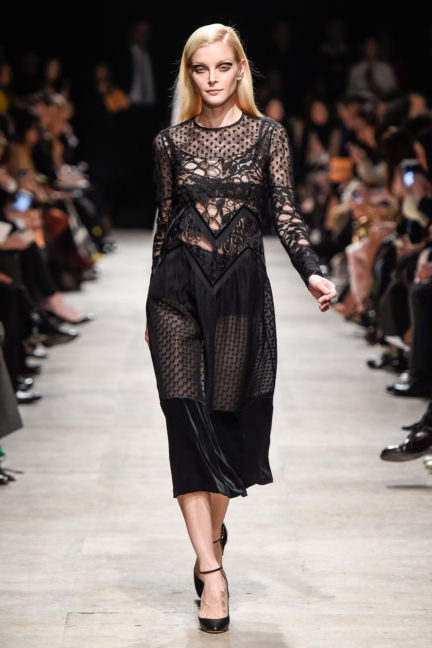 rochas_winter_2015-16_look_033