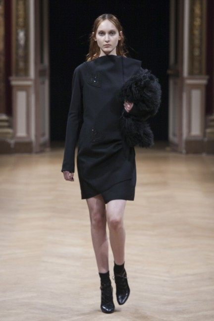 sharon-wauchob-rtw-fw14-paris-8186