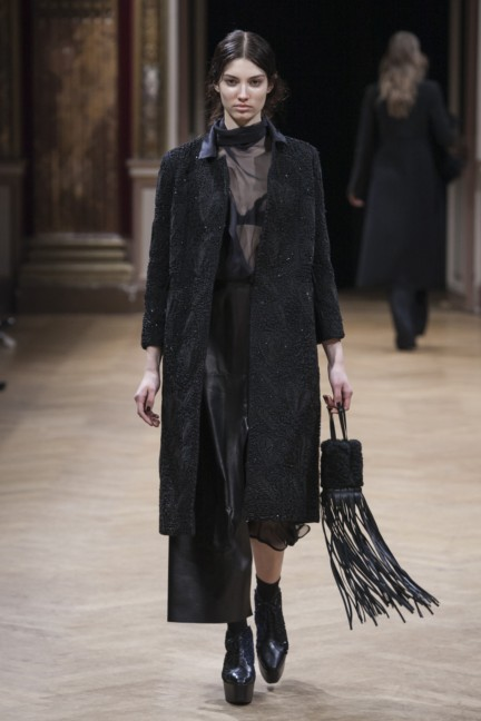 sharon-wauchob-rtw-fw14-paris-8222