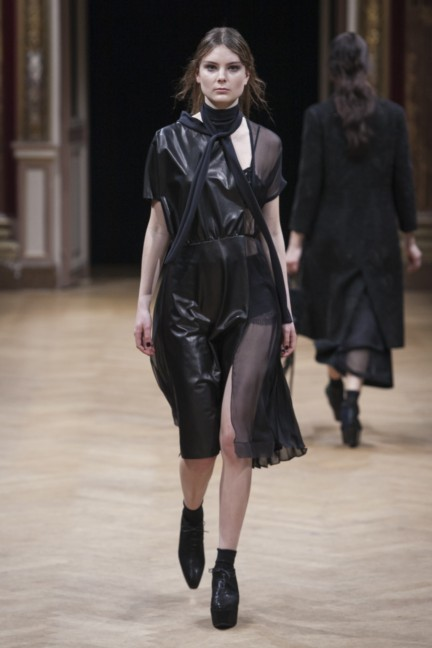 sharon-wauchob-rtw-fw14-paris-8230