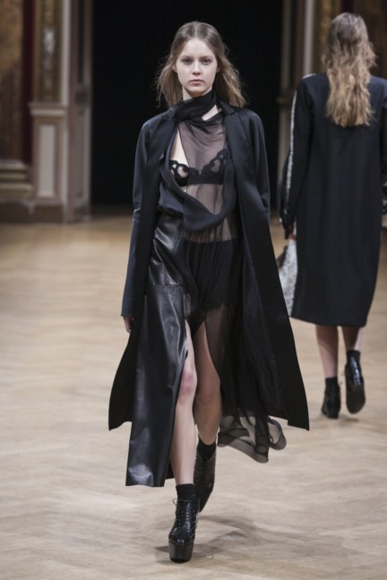sharon-wauchob-rtw-fw14-paris-8253