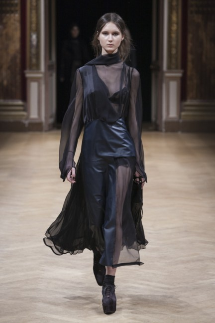 sharon-wauchob-rtw-fw14-paris-8264